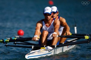 BEIJING - AUGUST 15: Zac Purchase and Mark Hunter of Great Britain compete in the Men's Doubles Sculling event at the Shunyi Olympic Rowing-Canoeing Park during Day 7 of the Beijing 2008 Olympic Games on August 15, 2008 in Beijing, China. (Photo by Jamie Squire/Getty Images)
